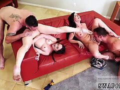 Daddy hand mom watches companion  playfellow   comrade s daughter fuck so they determined