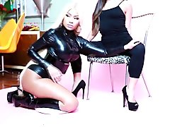 Nicki Minaj Turns Lesbian For Asian - Japan Photoshoot