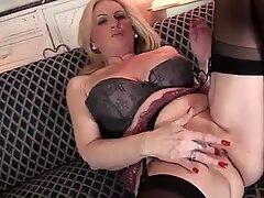 Mature mom first masturbating video