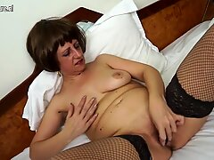 Hot amateur mother of 2 playing with her wet pussy
