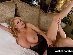 Cougar Deauxma Fucks Pussy &amp_ Dick In Hot 3Way - VNALive.com!