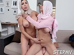 Young woman is getting a lesson from the mommy i would like to pummel in throating