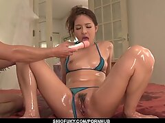 Nana Ninomiya shows off in a hot Japanese porn play